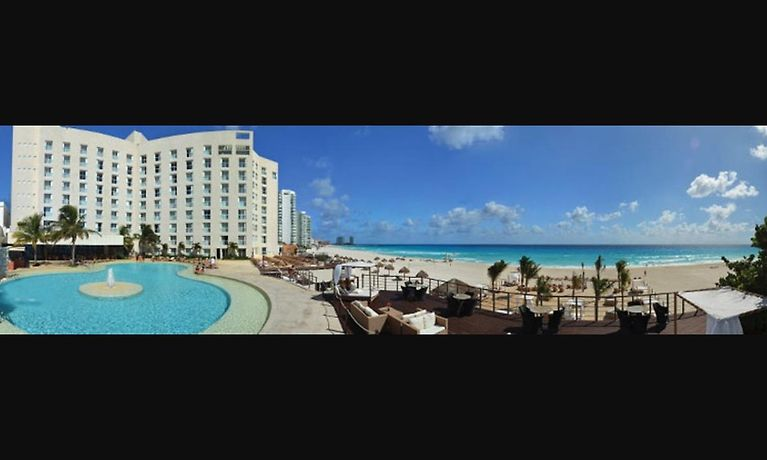 Sunset Royal Beach Resort Cancun